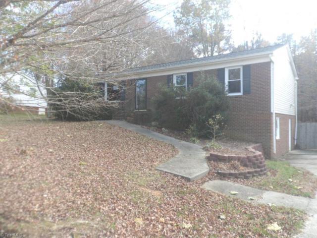 5034 Woodsboro Lane, Winston Salem, NC 27105 (MLS #912581) :: NextHome In The Triad
