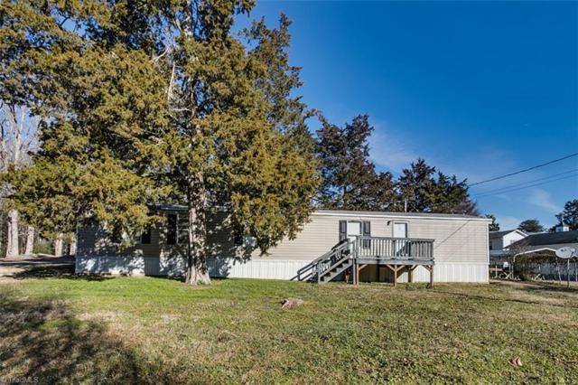 401 Kings Ridge Road, Randleman, NC 27317 (MLS #915567) :: Kristi Idol with RE/MAX Preferred Properties