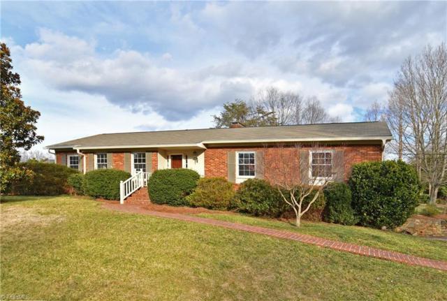 360 Pineridge Drive, Winston Salem, NC 27104 (MLS #916430) :: NextHome In The Triad