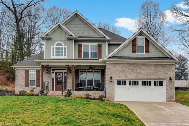 4661 Pebble Lake Drive, Pfafftown, NC 27040 (MLS #919053) :: Kristi Idol with RE/MAX Preferred Properties
