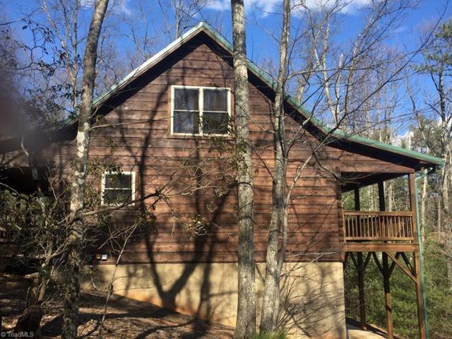 1074 Pepperbush Road, Purlear, NC 28665 (MLS #921918) :: Kristi Idol with RE/MAX Preferred Properties