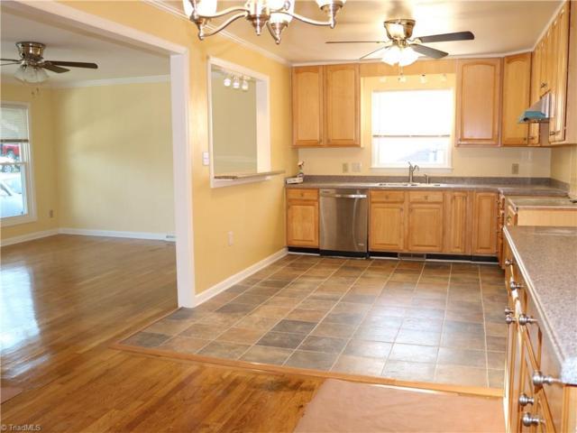 702 Savannah Street, Greensboro, NC 27406 (MLS #923262) :: Kristi Idol with RE/MAX Preferred Properties