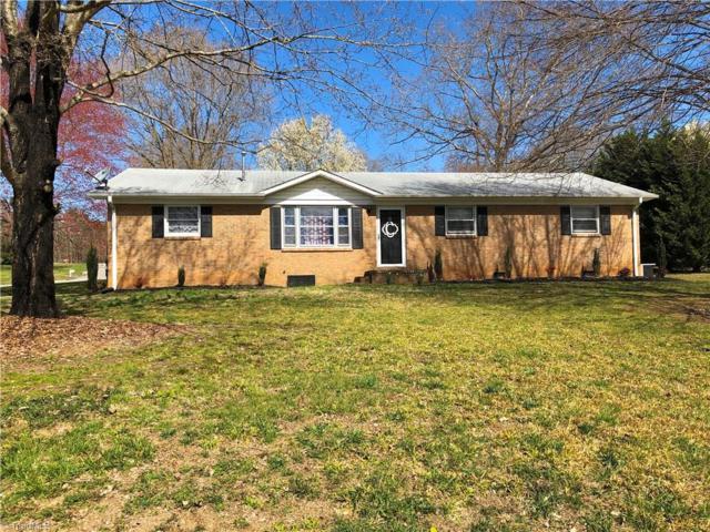 457 Tot Street, Mocksville, NC 27028 (MLS #923507) :: Kristi Idol with RE/MAX Preferred Properties