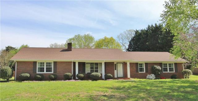 830 Brett Court, Kernersville, NC 27284 (MLS #927610) :: Kristi Idol with RE/MAX Preferred Properties