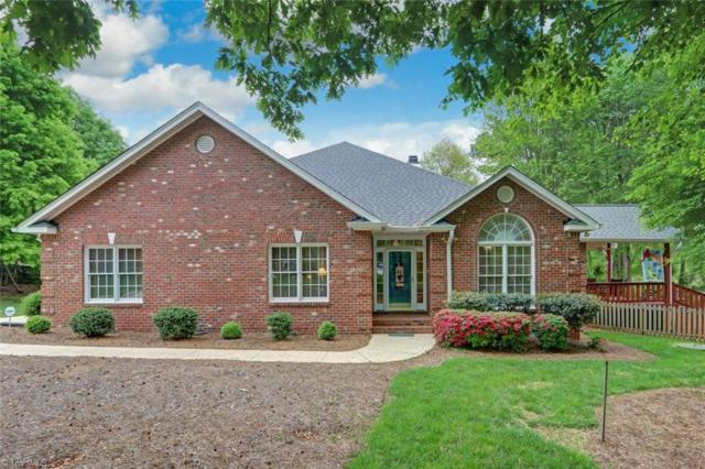 14 Hatteras Court, Greensboro, NC 27455 (MLS #929422) :: Kristi Idol with RE/MAX Preferred Properties