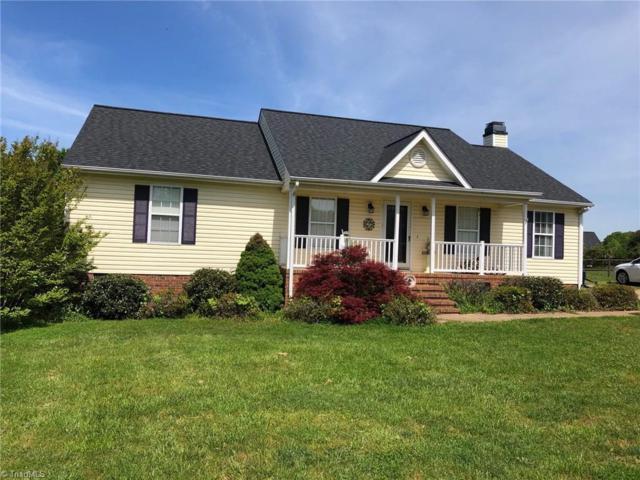 106 Whitestone Drive, Greensboro, NC 27455 (MLS #929489) :: Kristi Idol with RE/MAX Preferred Properties
