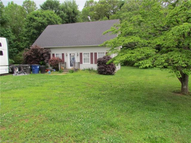 4106 Deer Track, Winston Salem, NC 27127 (MLS #931249) :: Kristi Idol with RE/MAX Preferred Properties
