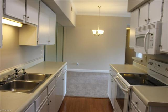 390 Meadows Circle, Winston Salem, NC 27104 (MLS #935915) :: Kristi Idol with RE/MAX Preferred Properties