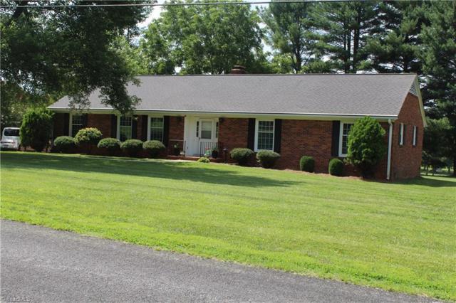 1050 Foxfire Road, Kernersville, NC 27284 (MLS #939311) :: RE/MAX Impact Realty