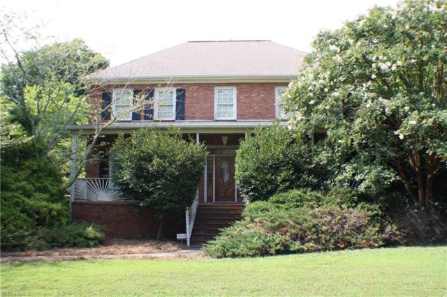 175 Stonebrook Court, Winston Salem, NC 27104 (MLS #943069) :: Berkshire Hathaway HomeServices Carolinas Realty
