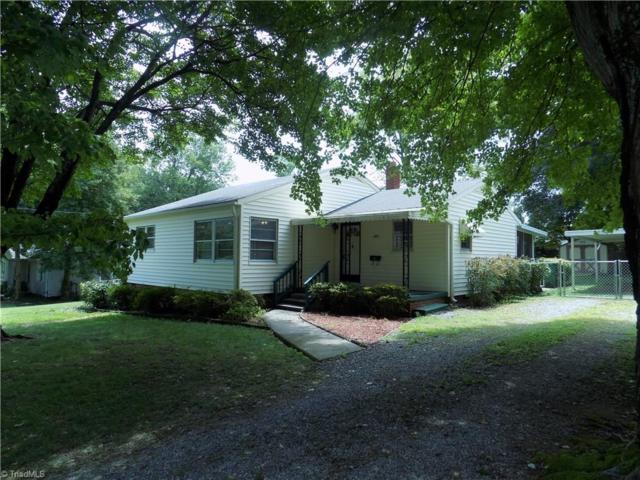 702 Summit Road, High Point, NC 27265 (MLS #943830) :: Berkshire Hathaway HomeServices Carolinas Realty