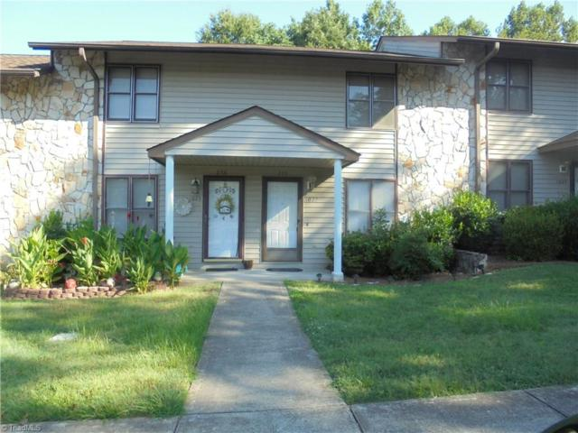 1027 Cedar Place Court, Winston Salem, NC 27107 (MLS #944409) :: Berkshire Hathaway HomeServices Carolinas Realty