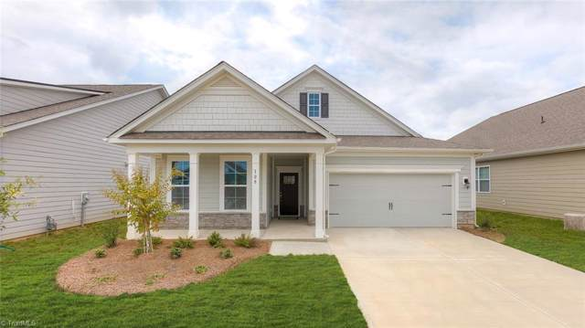 5144 Garnet Hill Drive, Clemmons, NC 27012 (MLS #953009) :: Ward & Ward Properties, LLC