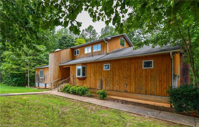 8337 Fairgrove Church Road, Browns Summit, NC 27214 (MLS #953624) :: Lewis & Clark, Realtors®