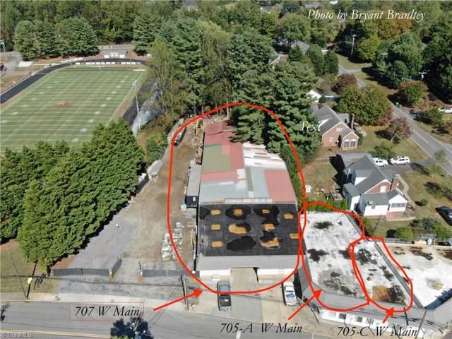 707 W Main Street, Pilot Mountain, NC 27041 (MLS #953915) :: RE/MAX Impact Realty