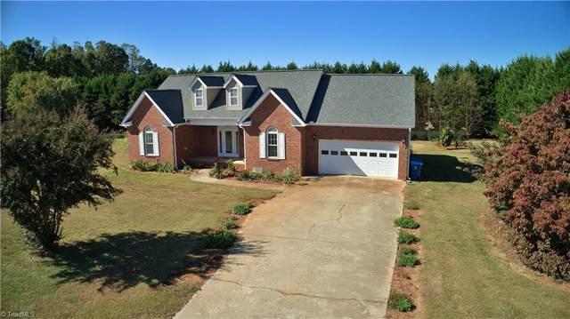 123 Cedarwood Place, Mocksville, NC 27028 (MLS #954446) :: Lewis & Clark, Realtors®
