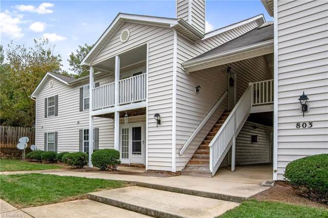 803 Moultrie Court E, Greensboro, NC 27409 (MLS #954678) :: Berkshire Hathaway HomeServices Carolinas Realty