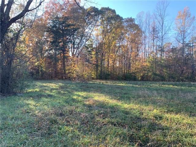 2512 Nelson Farm Road, Greensboro, NC 27406 (MLS #957044) :: Ward & Ward Properties, LLC