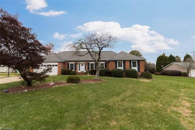 5408 Forest Oaks Drive, Greensboro, NC 27406 (MLS #957362) :: Ward & Ward Properties, LLC
