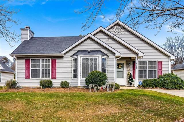 624 Foxridge Road, Greensboro, NC 27406 (MLS #959877) :: Berkshire Hathaway HomeServices Carolinas Realty