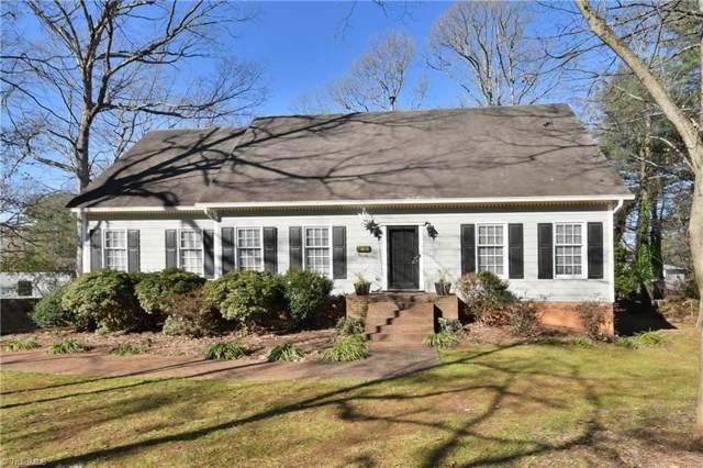 920 N Peace Haven Road, Winston Salem, NC 27104 (MLS #960728) :: Ward & Ward Properties, LLC