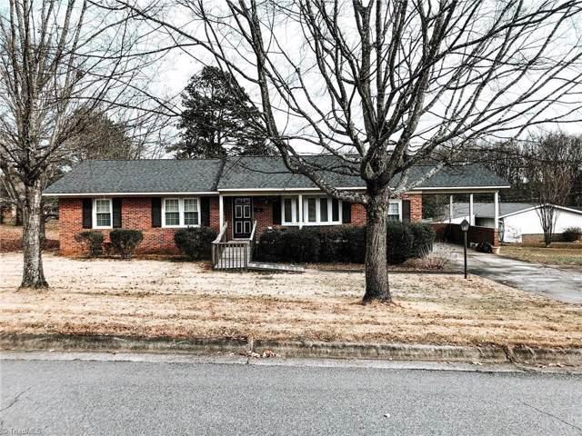 115 Lakeview Circle, Thomasville, NC 27360 (MLS #961725) :: Ward & Ward Properties, LLC