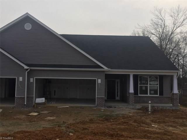 129 Oxford Ridge Court, Kernersville, NC 27284 (MLS #963390) :: Berkshire Hathaway HomeServices Carolinas Realty