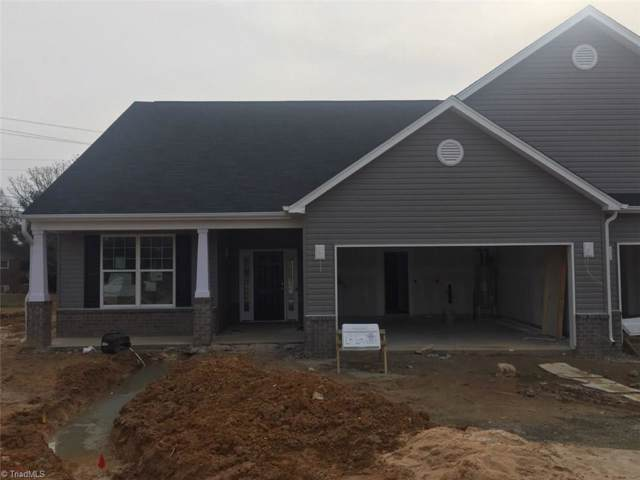 131 Oxford Ridge Court, Kernersville, NC 27284 (MLS #963506) :: Berkshire Hathaway HomeServices Carolinas Realty