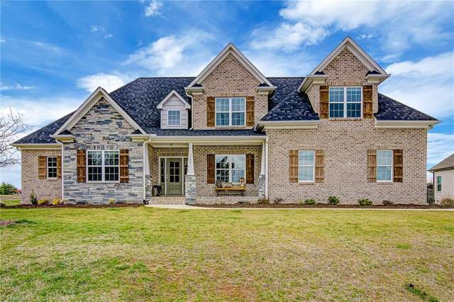 7703 Front Nine Drive, Stokesdale, NC 27357 (MLS #967667) :: Berkshire Hathaway HomeServices Carolinas Realty