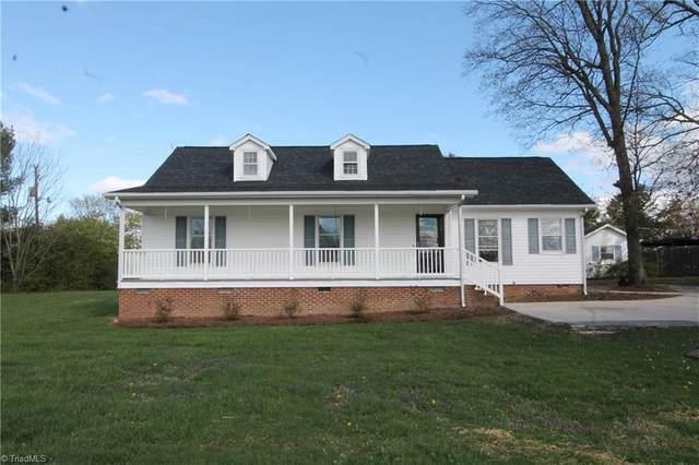 1229 Guilford College Road, Jamestown, NC 27282 (MLS #971235) :: Berkshire Hathaway HomeServices Carolinas Realty
