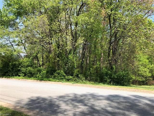 736 Lake Drive, Kernersville, NC 27284 (MLS #972229) :: Berkshire Hathaway HomeServices Carolinas Realty