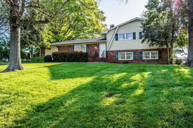 147 Farmbrooke Lane, Winston Salem, NC 27127 (MLS #972294) :: Team Nicholson
