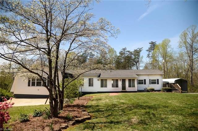 8264 Whipporwill Lane, Rural Hall, NC 27045 (MLS #972344) :: Berkshire Hathaway HomeServices Carolinas Realty