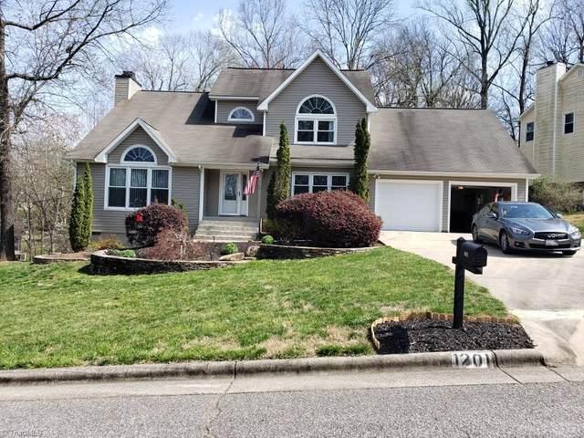 1201 Shalimar Drive, High Point, NC 27262 (MLS #974927) :: Berkshire Hathaway HomeServices Carolinas Realty