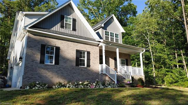 307 Liberty Hylls Lane, Thomasville, NC 27360 (MLS #977926) :: Ward & Ward Properties, LLC