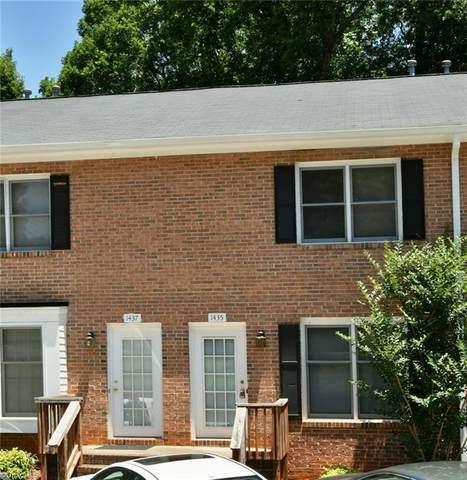 1435 King Charles Drive, Clemmons, NC 27012 (MLS #981057) :: Berkshire Hathaway HomeServices Carolinas Realty