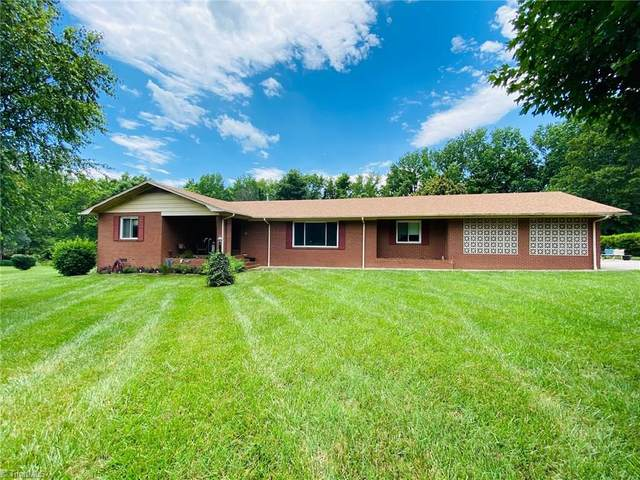 26 Hillside Park Drive, Thomasville, NC 27360 (MLS #982203) :: Berkshire Hathaway HomeServices Carolinas Realty