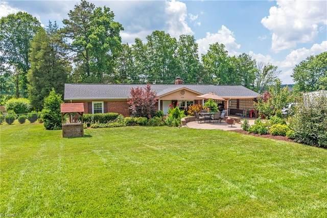 150 Kerner Knolls Drive, Kernersville, NC 27284 (MLS #983916) :: Ward & Ward Properties, LLC