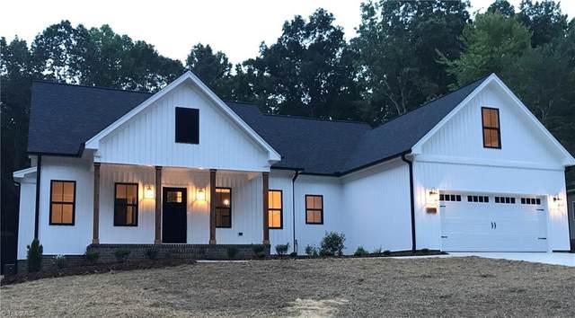 3010 Wesley Farm Lane, Sophia, NC 27350 (MLS #984262) :: Berkshire Hathaway HomeServices Carolinas Realty