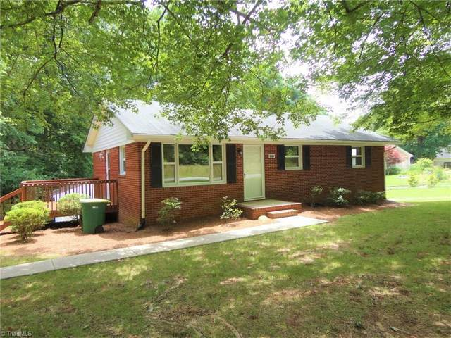 9345 Styers Ferry Road, Clemmons, NC 27023 (MLS #984763) :: Berkshire Hathaway HomeServices Carolinas Realty