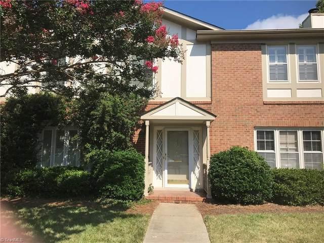 15 Fountain Manor Drive E, Greensboro, NC 27405 (MLS #985142) :: Ward & Ward Properties, LLC