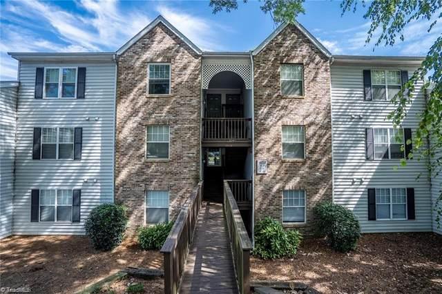 4021 Whirlaway Court, Clemmons, NC 27012 (MLS #987987) :: Ward & Ward Properties, LLC