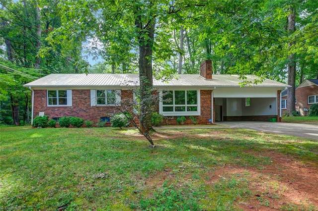921 Lake Drive W, Thomasville, NC 27360 (MLS #988484) :: HergGroup Carolinas | Keller Williams