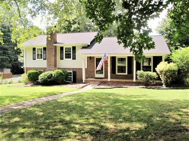 6718 Forest Oak Drive, Clemmons, NC 27012 (MLS #988508) :: Berkshire Hathaway HomeServices Carolinas Realty