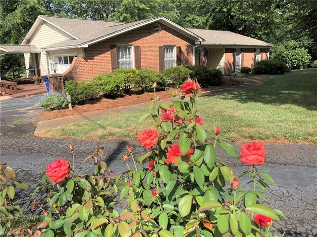 631 Burkeridge Court, Winston Salem, NC 27104 (MLS #988804) :: Ward & Ward Properties, LLC