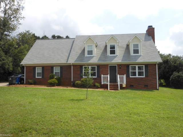 4905 Folkstone Court, Pfafftown, NC 27040 (MLS #989751) :: Greta Frye & Associates   KW Realty Elite