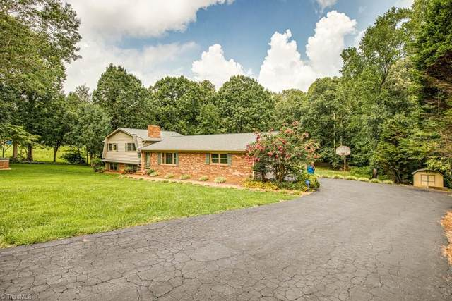 179 Twin Cedars Golf Road, Mocksville, NC 27028 (#989852) :: Premier Realty NC