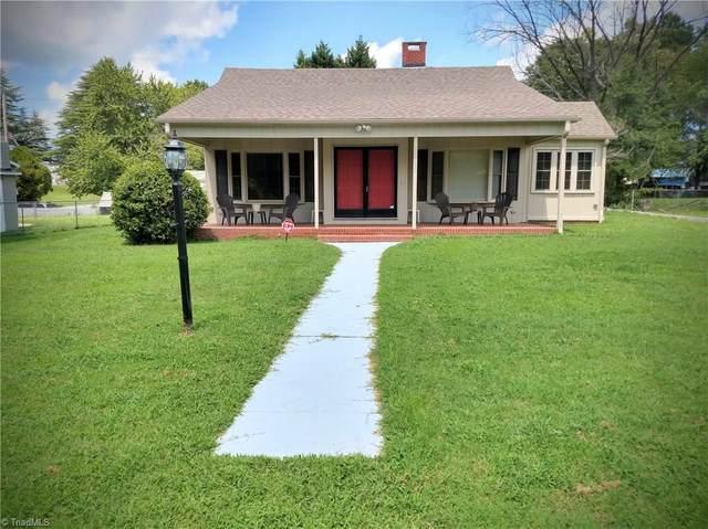 310 Mary Lou Avenue, Thomasville, NC 27360 (MLS #990392) :: Ward & Ward Properties, LLC