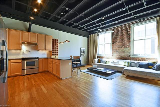 1 W 5th Street #302, Winston Salem, NC 27101 (MLS #991415) :: Greta Frye & Associates | KW Realty Elite