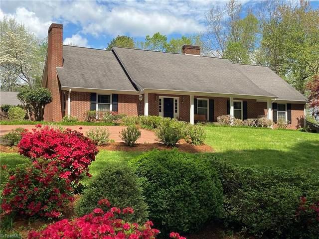 216 Fairway Lane, Wilkesboro, NC 28697 (MLS #991759) :: Berkshire Hathaway HomeServices Carolinas Realty